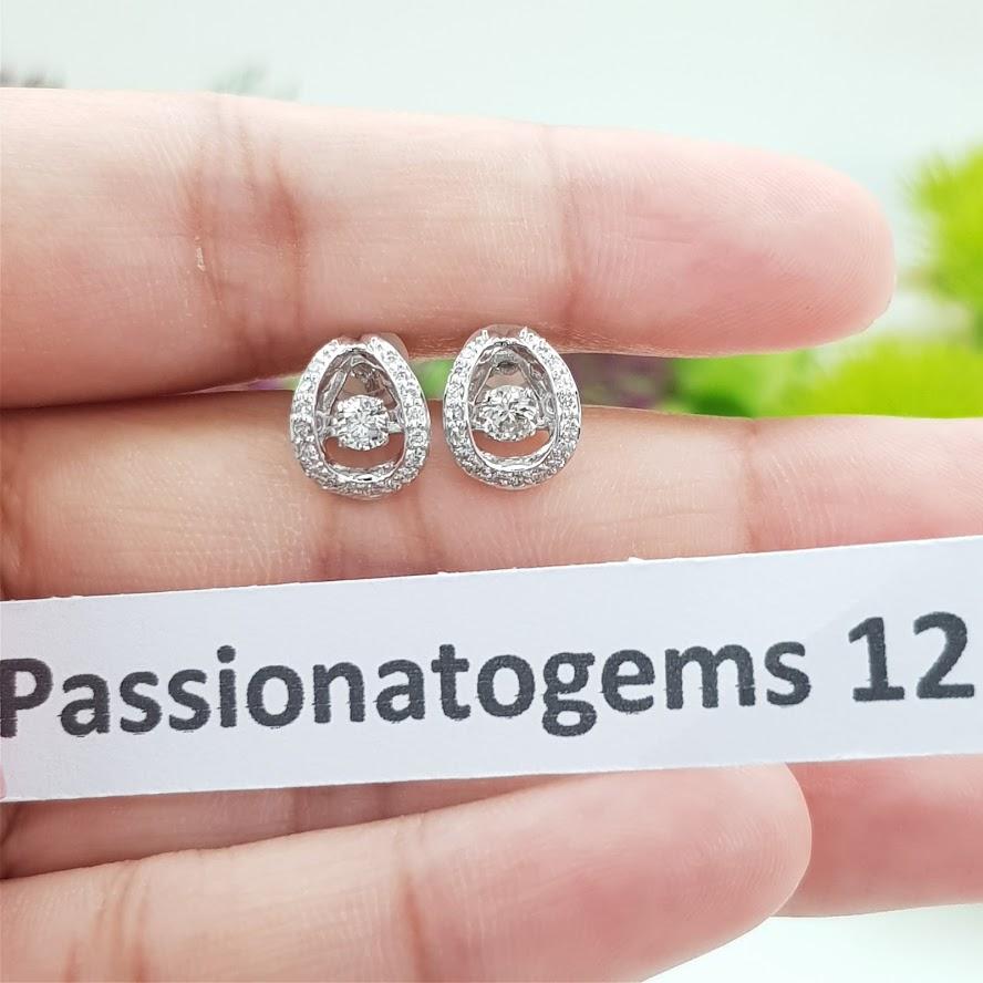 ต่างหูเพชร Dancing Diamond หมายเลข E12 เพชรเม็ดกลาง 15 ตัง เพชรนน.รวม 51 ตัง/คู่ ราคาปกติ 32,500 บาท ราคาพิเศษ 28,500 บาท 🎉🎉สนใจทัก https://line.me/R/ti/p/%40passiongems🎉🎉