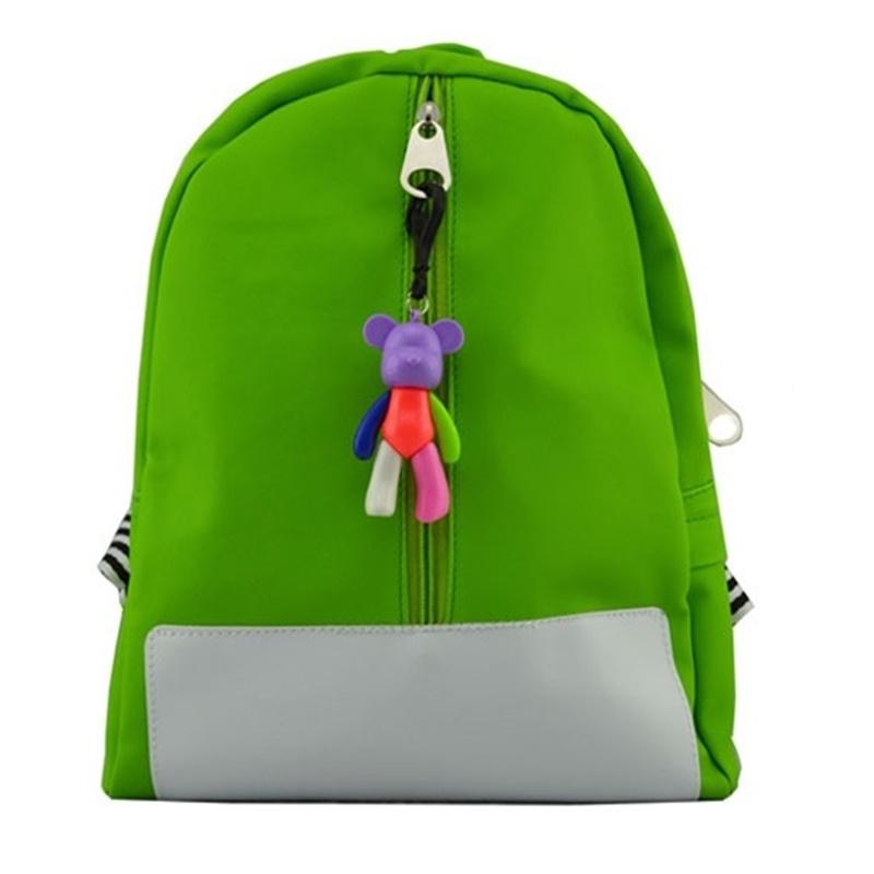 กระเป๋าเป้เด็กกันน้ำมีพวงกุญแจตุ๊กตาหมีตัวเล็ก (สีเขียว)