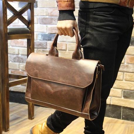 พรีออเดอร์ - กระเป๋าแฟชั่น หนังPU สไตล์วินเทจ มีฝาปิดด้านบน สะพายยาวได้ เท่ห์ และดูดีมากๆค่ะ ใส่ Ipad ได้ กระเป๋าสะพายข้างได้ มี 2 สี สไตล์เกาหลี