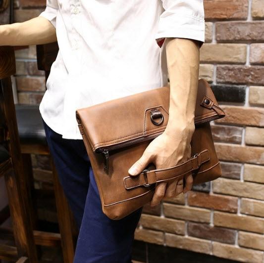 พร้อมส่ง กระเป๋าสะพาย ผู้ชาย สีน้ำตาล ถอดสายได้ เป็นกระเป๋าถือ มีช่องเก็บของเยอะ