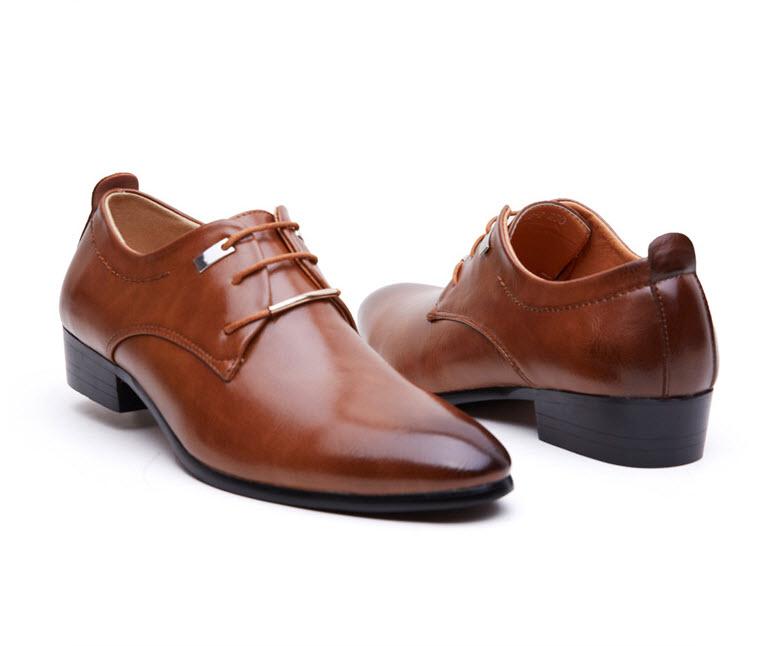 พร้อมส่ง รองเท้าคัชชู ผู้ชาย หนัง PU สีน้ำตาล ใส่ทำงาน แบบสวม แต่งเชือกหลังเท้า