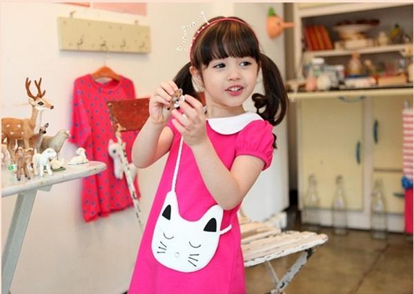 เซท 3 ชิ้น ชุดเดรสสีชมพูคอบัว พร้อมกางเกง และ กระเป๋าสะพายรูปแมว size 100