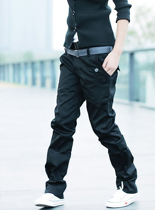 กางเกงขายาวแฟชั่น ผู้ชาย พร้อมส่ง สีดำ กระเป๋าแต่งกระดุม แต่งกระเป๋าหลัง ใส่เที่ยว ใส่ทำงาน แบบเท่ห์