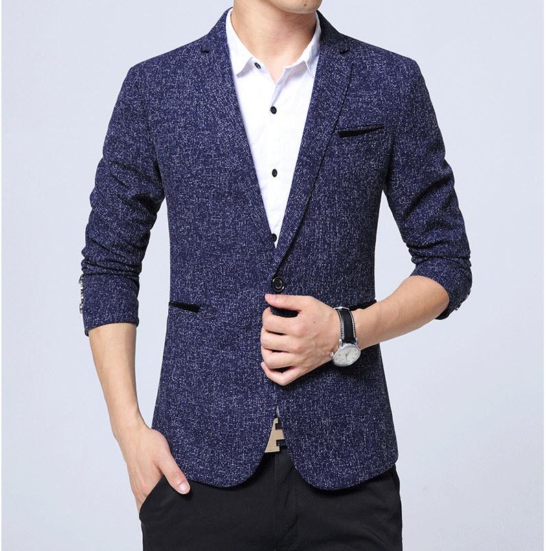 เสื้อสูท ผู้ชาย สีน้ำเงิน แขนยาว แต่งกระเป๋าสีน้ำเงิน กระดุมเม็ดเดียว ตัวเสื้อเข้ารูป ใส่ทำงาน ใส่ออกงาน ใส่เป็นสูทลำลอง กระเป๋าข้างใช้งานได้จริง มีซับใน