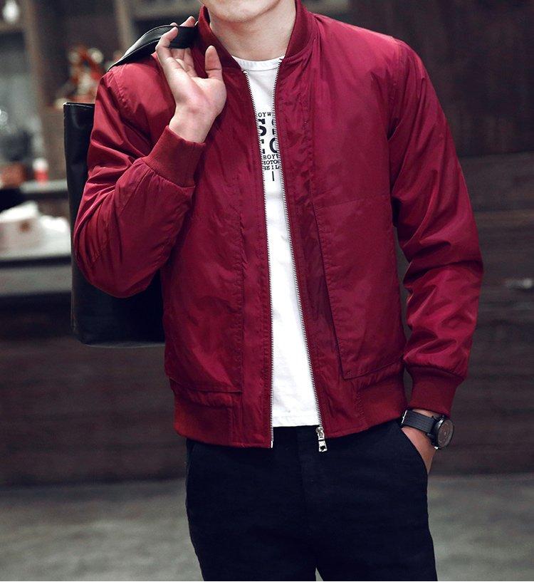 พร้อมส่ง แจ็คเก็ตผู้ชาย สีแดง แขนยาว แจ็คเก็ตเบสบอล ผ้าร่ม ใส่สบาย กระเป๋าใช้งานง่าย มีซับใน แมทซ์กับเสื้อผ้าได้ง่าย