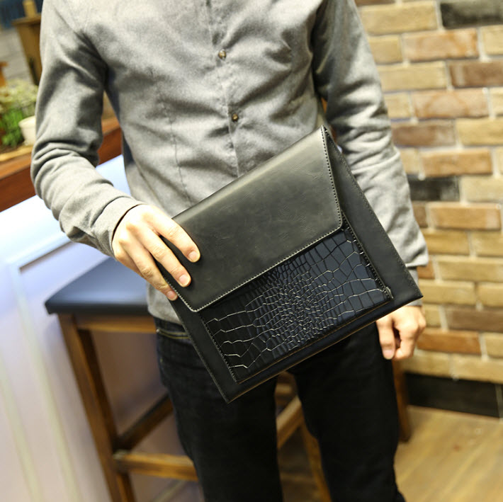 พร้อมส่ง กระเป๋าถือ กระเป๋าเอกสาร สีดำ มีช่องใส่บัตร ใส่โทรศัพท์ ใส่ ipad mini ได้