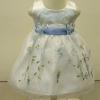 ชุดเดรสเด็กหญิงออกงานสีขาวแขนกุดปักลายสีฟ้า ไซส์24