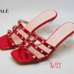รองเท้าแตะแบบสวมแต่งหมุดทองสวยมาก style valentino