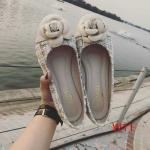 รองเท้า คัชชูส้นเตี้ยแต่งดอกกุหลาบด้านบน วัสดุผ้าลายสาน น่ารักมาก