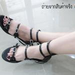 รองเท้าสไตล์สาวเกาหลี แต่งเพชรด้านหน้าดูหรู