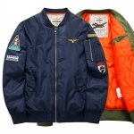 พร้อมส่ง เสื้อแจ็คเก็ตกันหนาว สีน้ำเงิน ซับในสีส้มบุนวม ใส่กันหนาว สไตล์เสื้อแจ็คเก็ตนักบิน แฟชั่นผู้ชาย