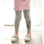 กางเกงขายาวสีเทา ปักเลื่อมลายกระต่าย
