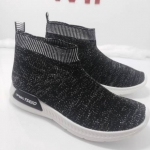 รองเท้าผ้าใบหุ้มข้อแบบสวมใส่ง่ายไม่ต้องผูกเชือกวัสดุผ้ายืดนิ่มสบาย
