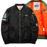 พร้อมส่ง เสื้อแจ็คเก็ตกันหนาว สีดำ ซับในสีส้มบุนวม ใส่กันหนาว สไตล์เสื้อแจ็คเก็ตนักบิน แฟชั่นผู้ชาย