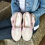 รองเท้าคัทชูสไตล์ชาแนล ทำจากผ้าซีทรูเนื้อนุ่ม