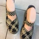 รองเท้าเพื่อสุขภาพใส่สบายยืดหยุ่นกระชับเท้าส้นเตี้ย