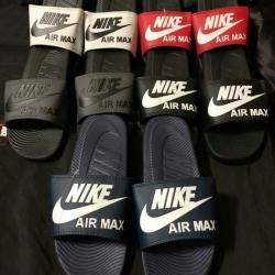 รองเท้าแตะ Nike