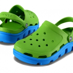 รองเท้า CROCS รุ่น DUET SPORT CLOG สีเขียวพื้นฟ้า