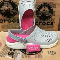 รองเท้า CROCS รุ่น LiteRide สีเทาพื้นชมพู