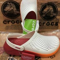 รองเท้า CROCS รุ่น LiteRide สีขาวพื้นส้ม