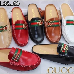 รองเท้าคัทชูเปิดส้นหัวมน style Gucci