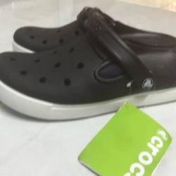 รองเท้า CROCS รุ่น CitiLane Clogs สีดำ
