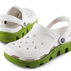 รองเท้า CROCS รุ่น DUET SPORT CLOG สีขาวพื้นเขียว