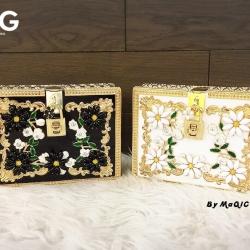 กระเป๋าแฟชั่นงานกรอบทองฉลุลายปรานีตที่สุด ประดับเกสรติดเพรช