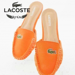 รองเท้าแบบสวมหัวมน Lacoste