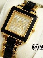 นาฬิกา Michael Kors สุดหรูด้วยขอบสีทองสลับดำ ฮิตสุดที่ us