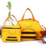 กระเป๋าสัมภาระคุณแม่ลาย skip hop ลายผึ้ง